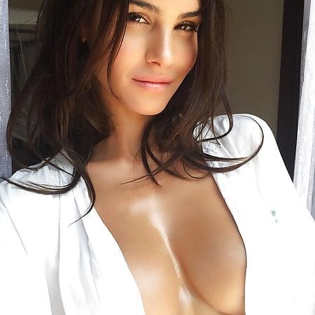 Silvia nackt Caruso Silvia Caruso