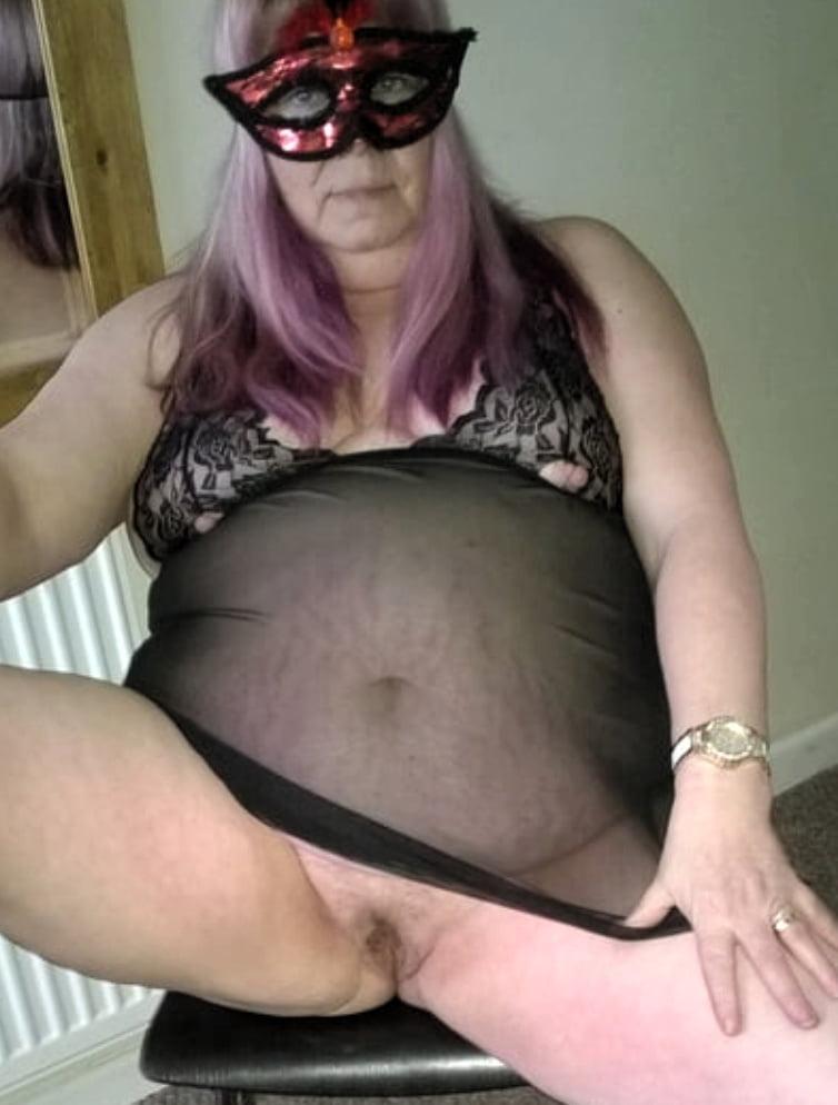 Lovely BBW granny- 21 Pics