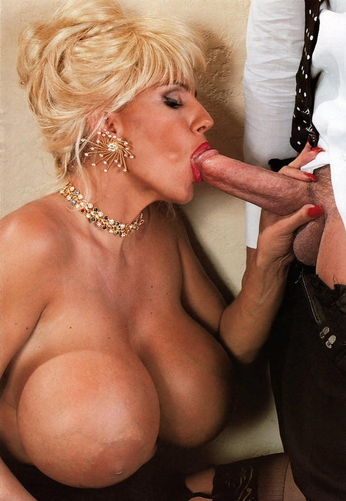 Big tit anal sex queens