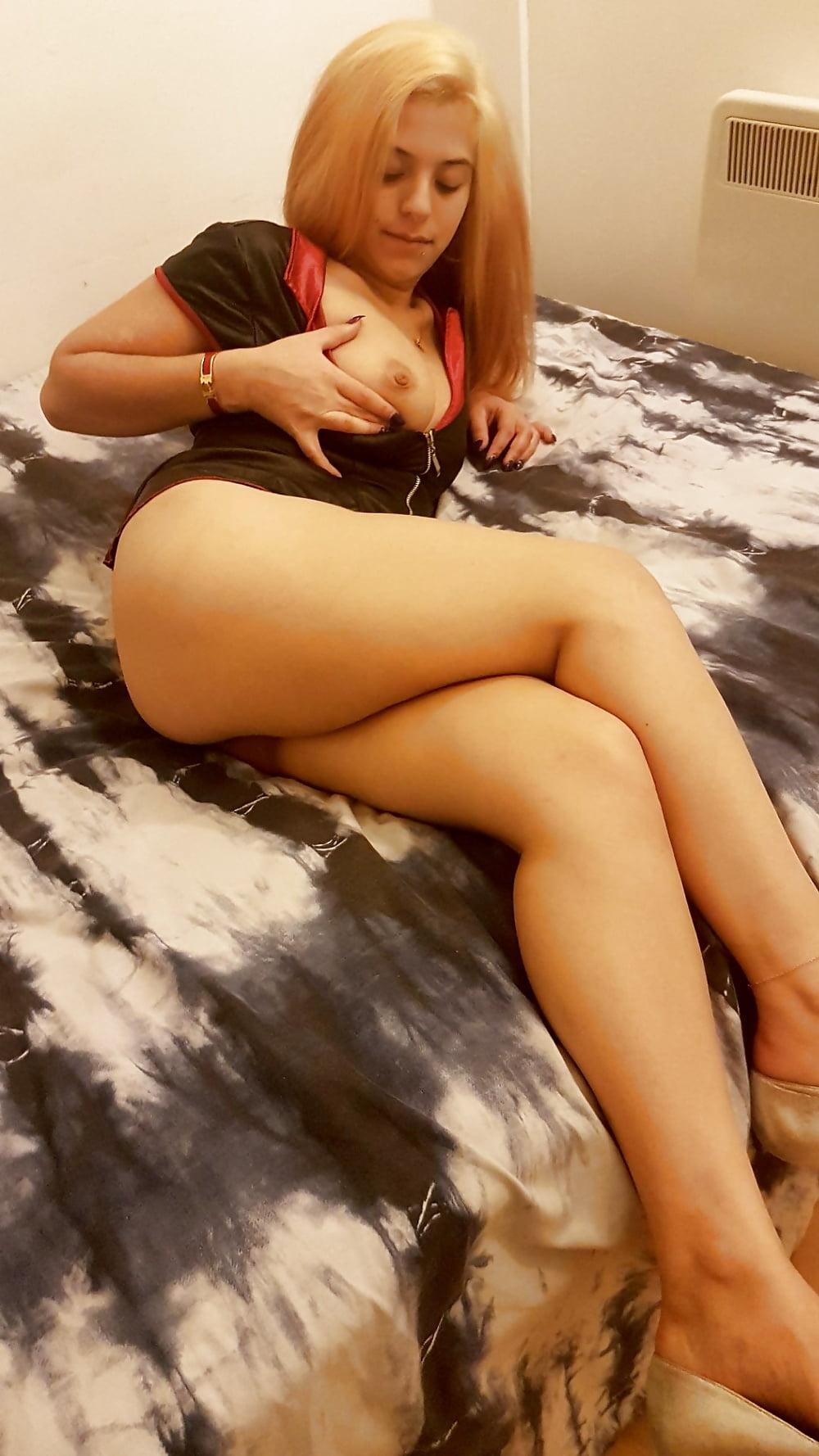 Hot sexy women near me-8910