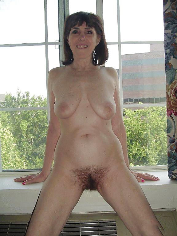 Natural mature women pics-3160