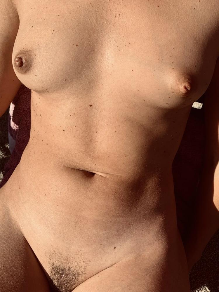 Sexy wife - 10 Pics