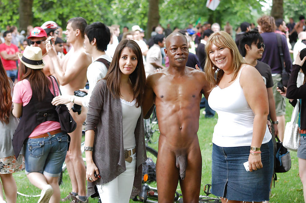 black-guy-nude-in-public