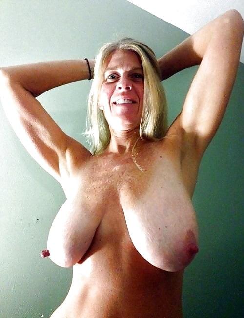 Best huge tits sites-3194