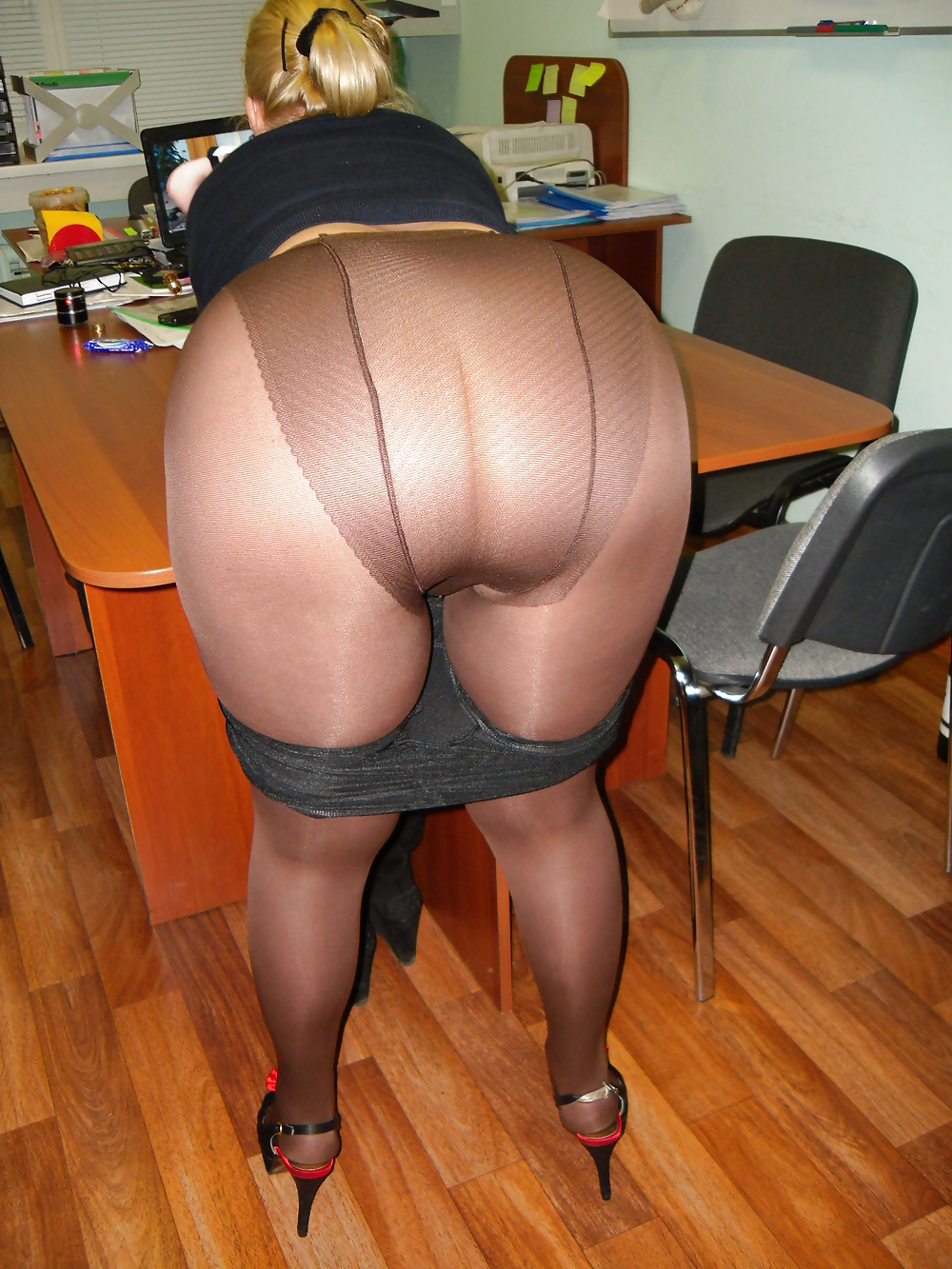 Are panty girdle over pantyhose you tell
