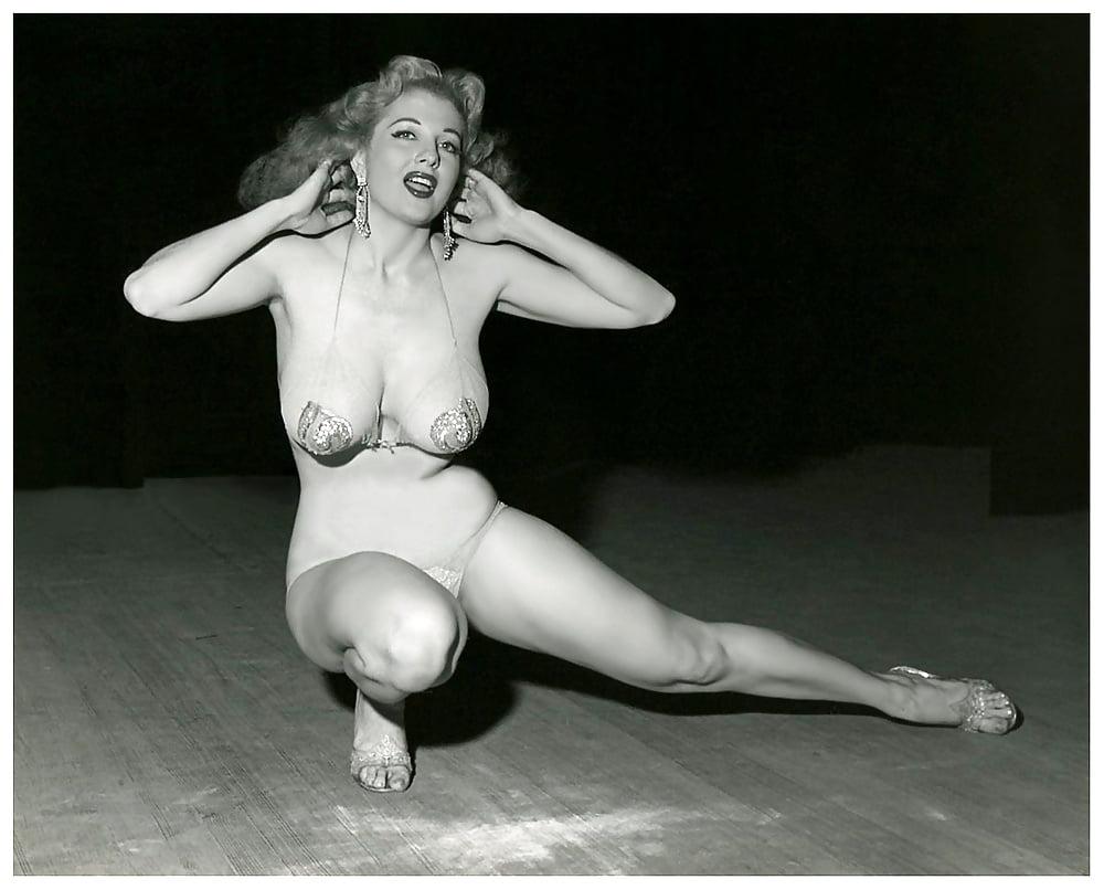 Finest Blackwomen Dancer Nude Pictures