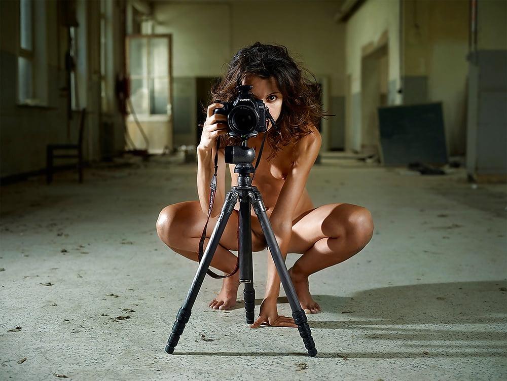 фотограф женщина снимает обнаженных девушек была самой