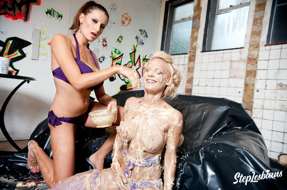 Cakes n Creams With Sensual Jane And Lou Lou - 60 Pics