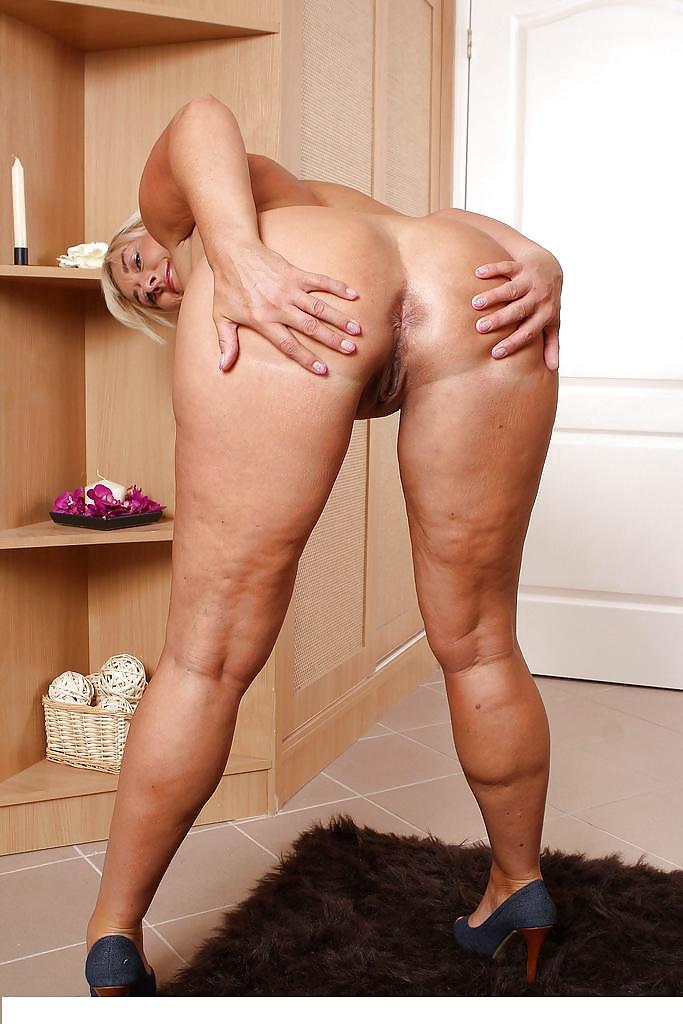 Порно фото скромные женщины волосатые с целлюлитом 12