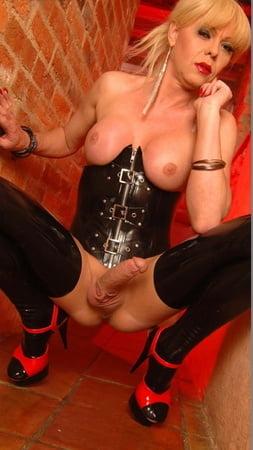 Porn pic Milf strip upskirt panties free tube