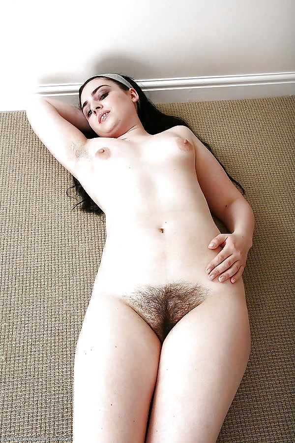 hairy-pussy-college-beauty