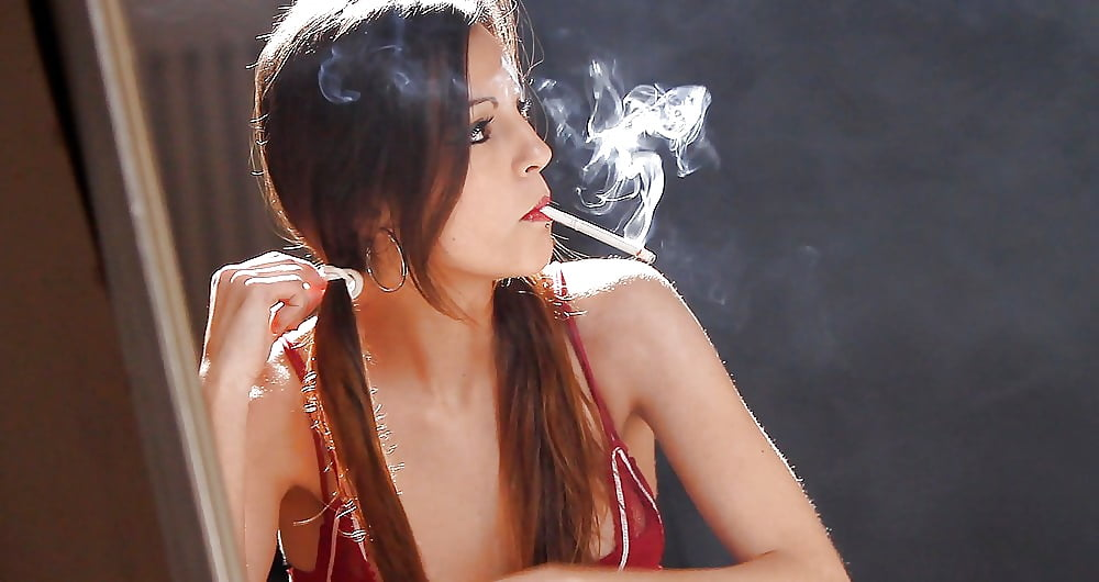 Woman anal dangle cigarette fetish