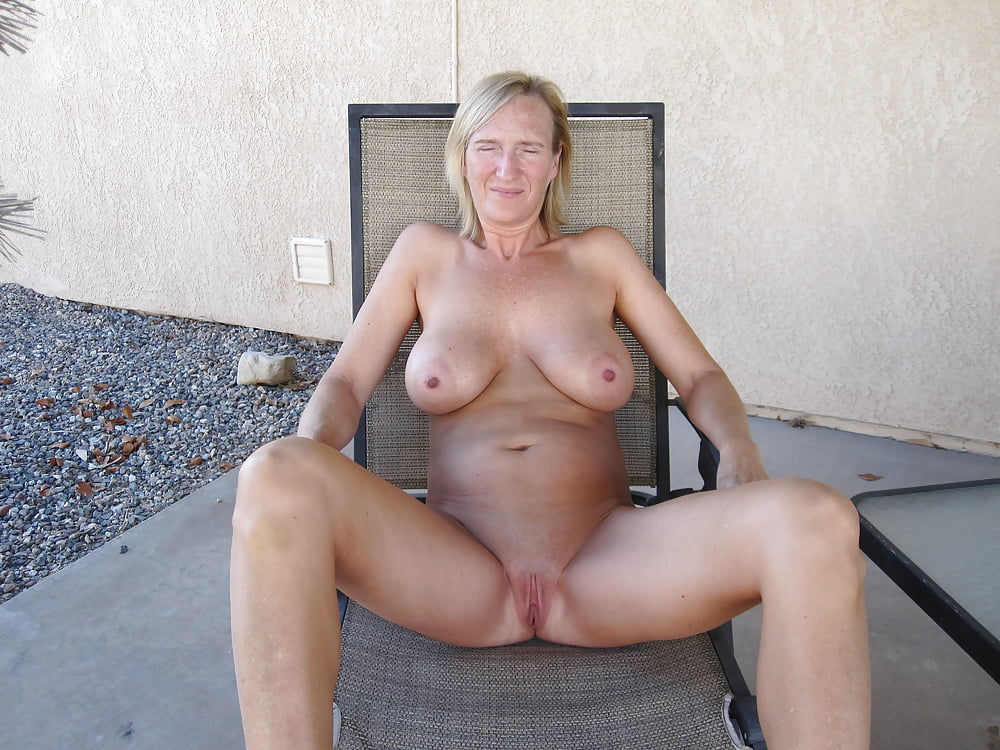 ameature-moms-nude-pictures-guy-fucks-smaller
