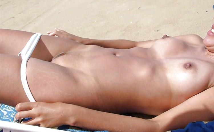 так каждую девушки без трусов на пляже видео вообще