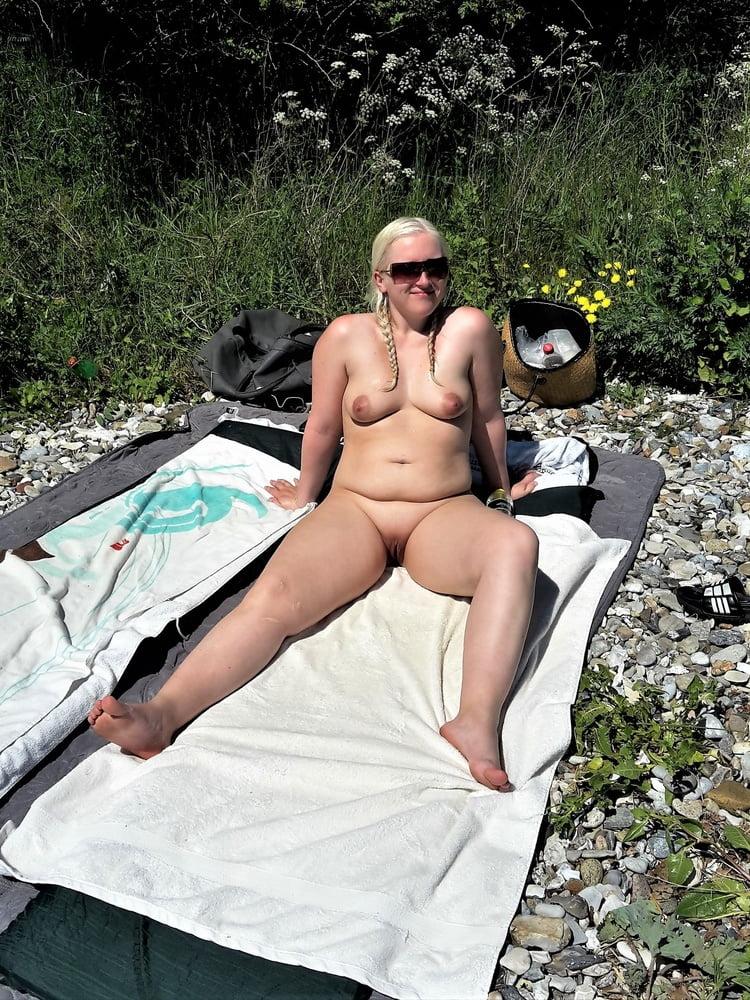 Naked girls amateur pics