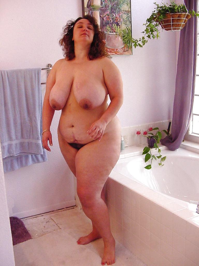 malayalam-nude-chubby-mom-candice-chan-naked