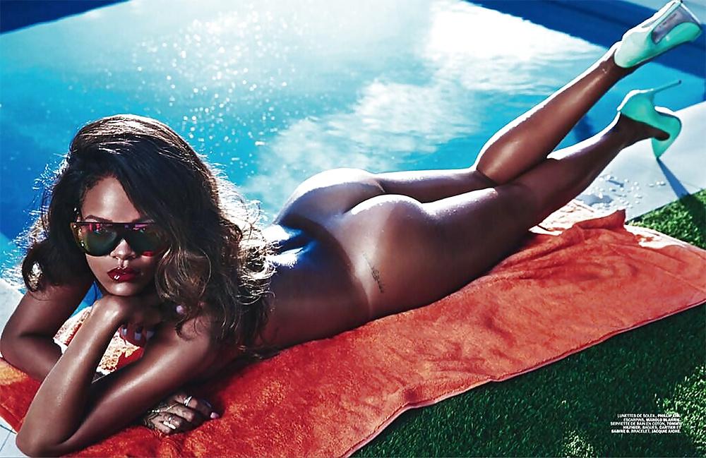 Videos xmaster play Rihanna boy magazine