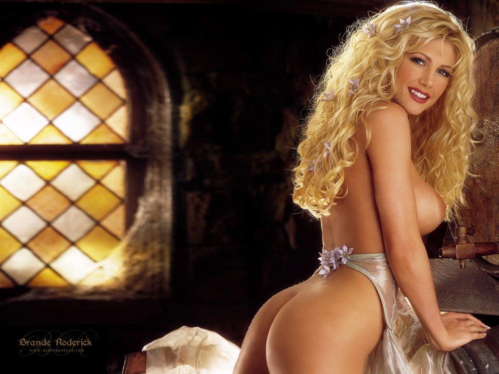 Sexy Pornstar Brande Roderick Up Close And Personal