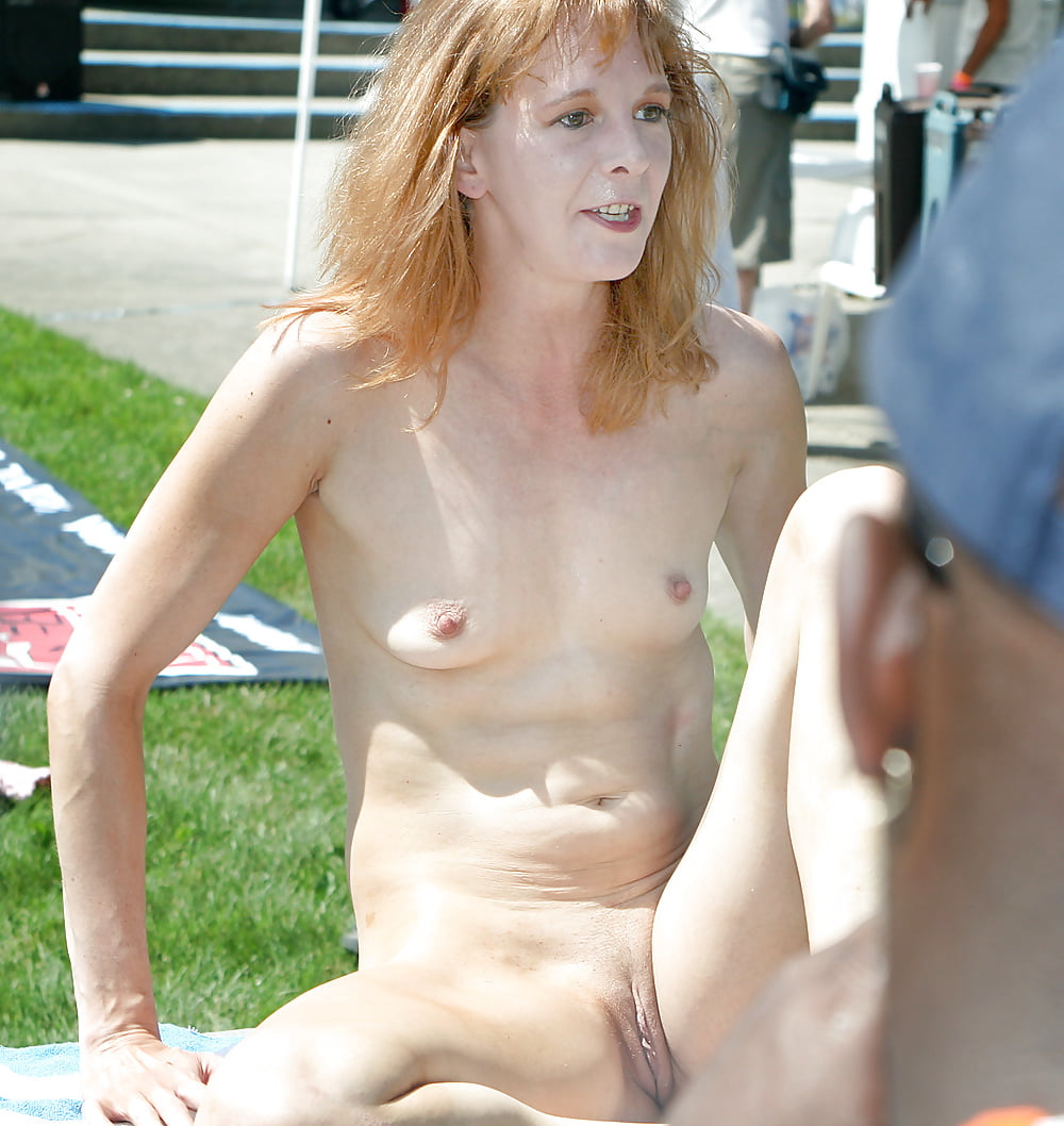sex-with-small-boob-wife-nude-pics