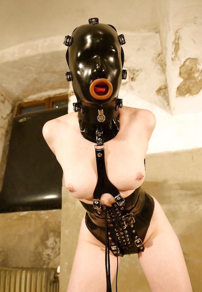 latex-rubber-sex-slave