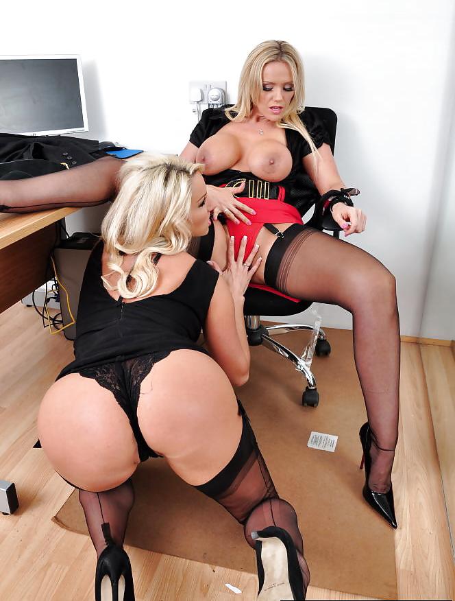 Смотреть порно секретарши блондинки в красном платье #13