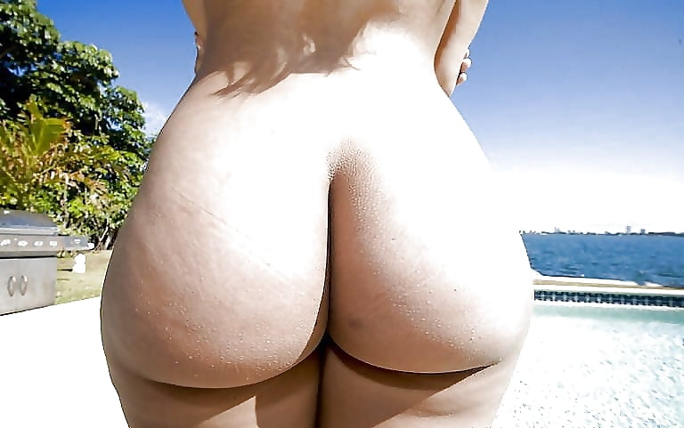 nude-white-girl-bubble-butts