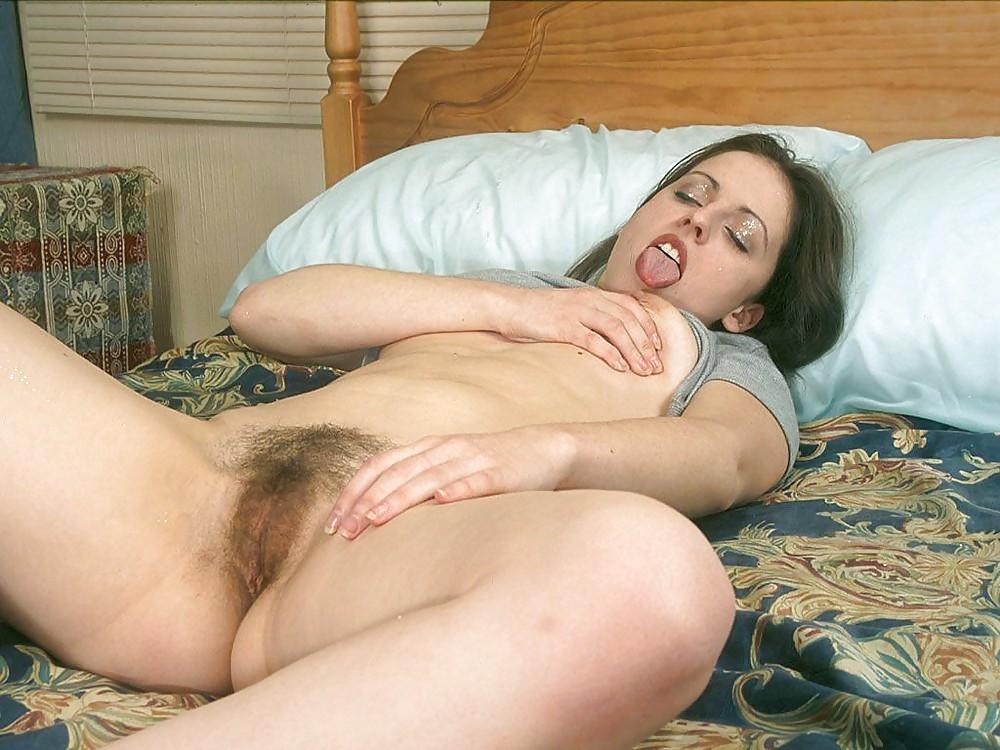 чудесные мамки с волосатой промежностью в постели