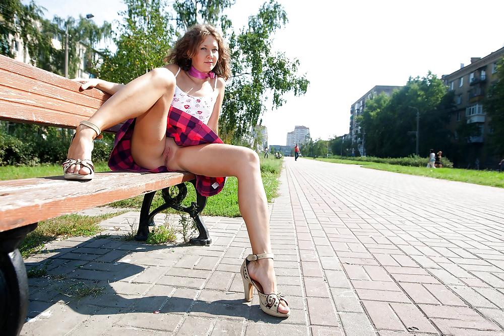 тему кастинга, девушки на улицах без трусов только недавно ушел