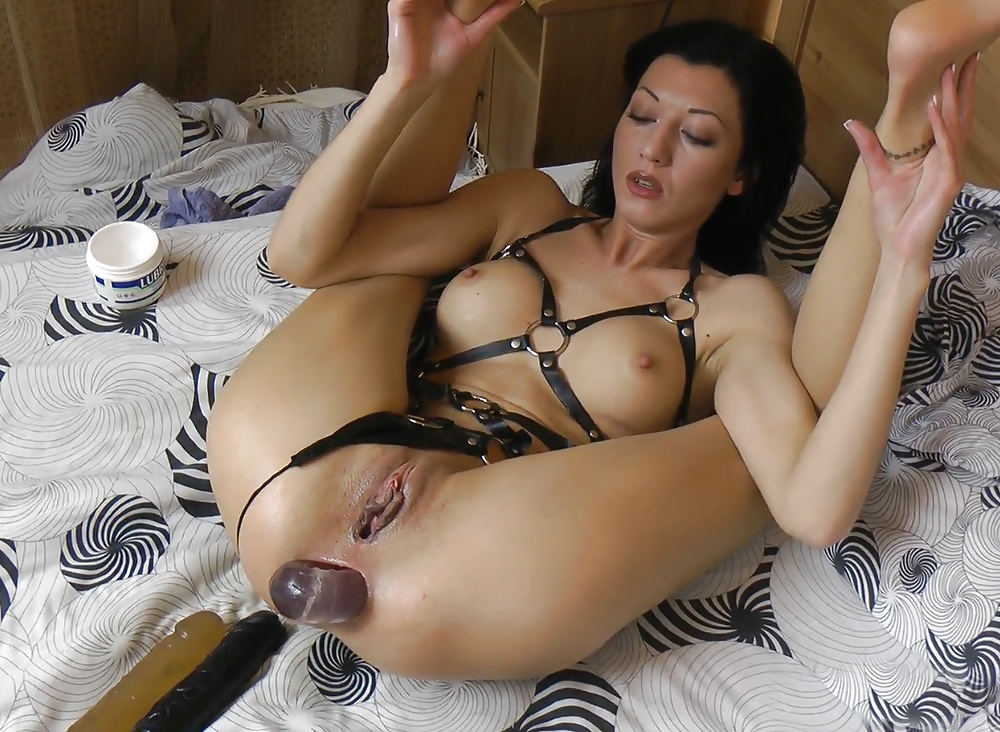 Hot Kinky Blonde With Dildo