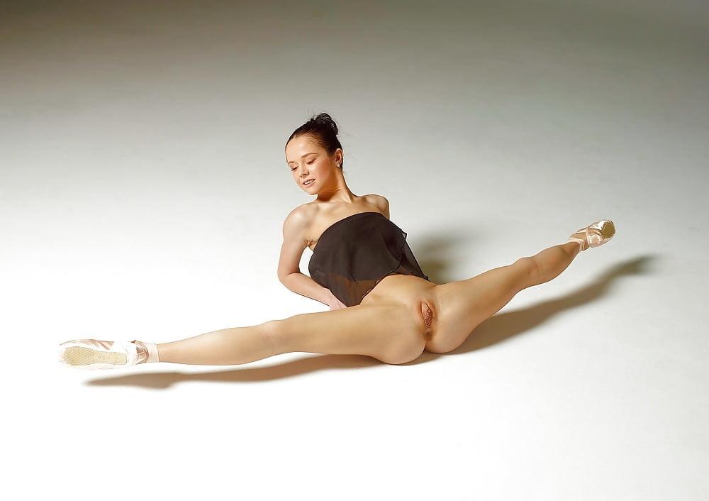 Teen gallery ballet naked vagina nudes