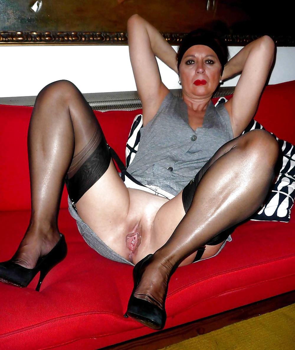 Nylons Mature Nude Pics, Women Porn Gallery