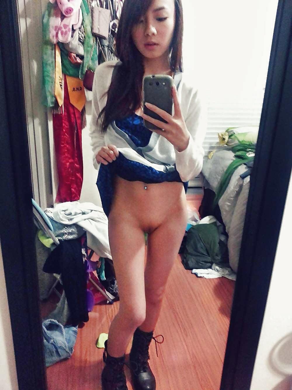 Jovecita ecuatoriano se desnuda para su novio - 1 part 6