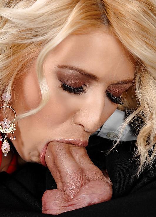 arabu-delaet-minet-blondinka-porno-s-chehovoy-i-zavorotnyuk-anastasiya