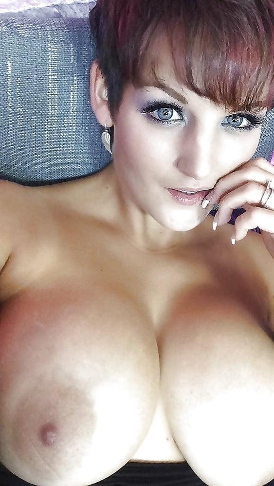 Short hair big tits gallery — 4