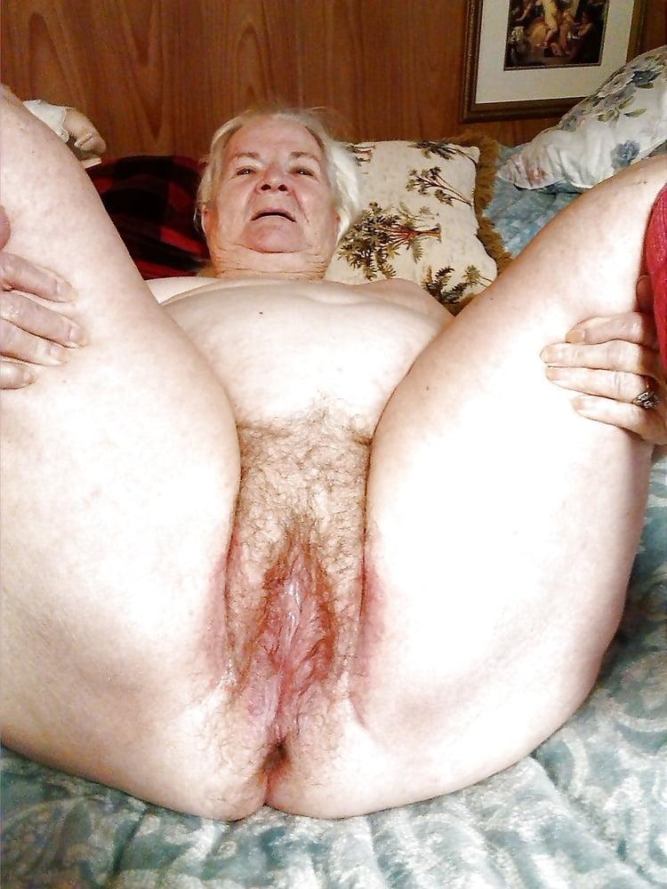 Pictures granny pussy julianmoeller.dk Thumbnail