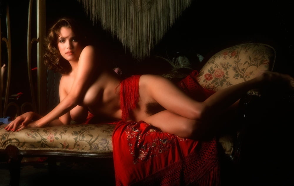 Charlotte Kemp - 22 Pics