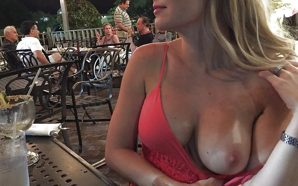 Boobs exposed girls fights — pic 3