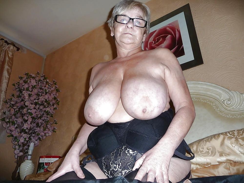 Big Boobs Granny Gallery