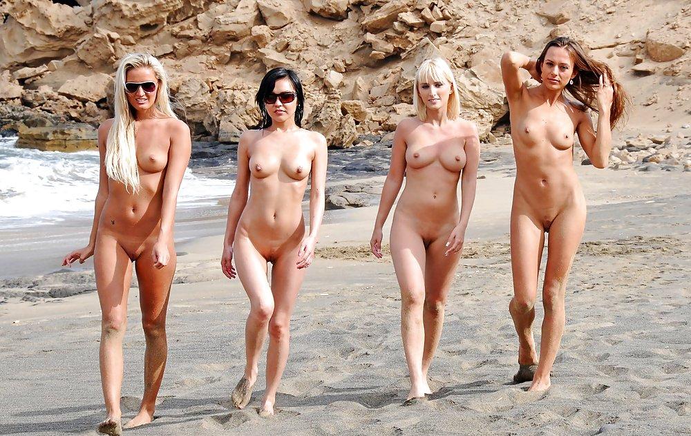 паззлы творениями голые девушки без купальников аня оторвалась
