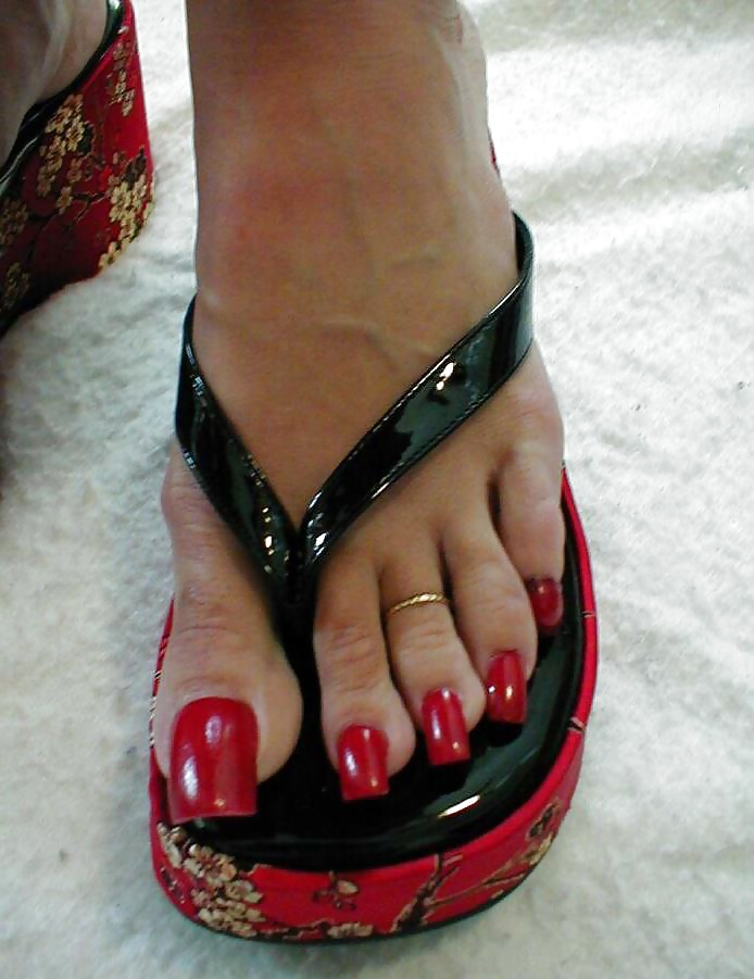 Video of girls toenails foot fetish #5