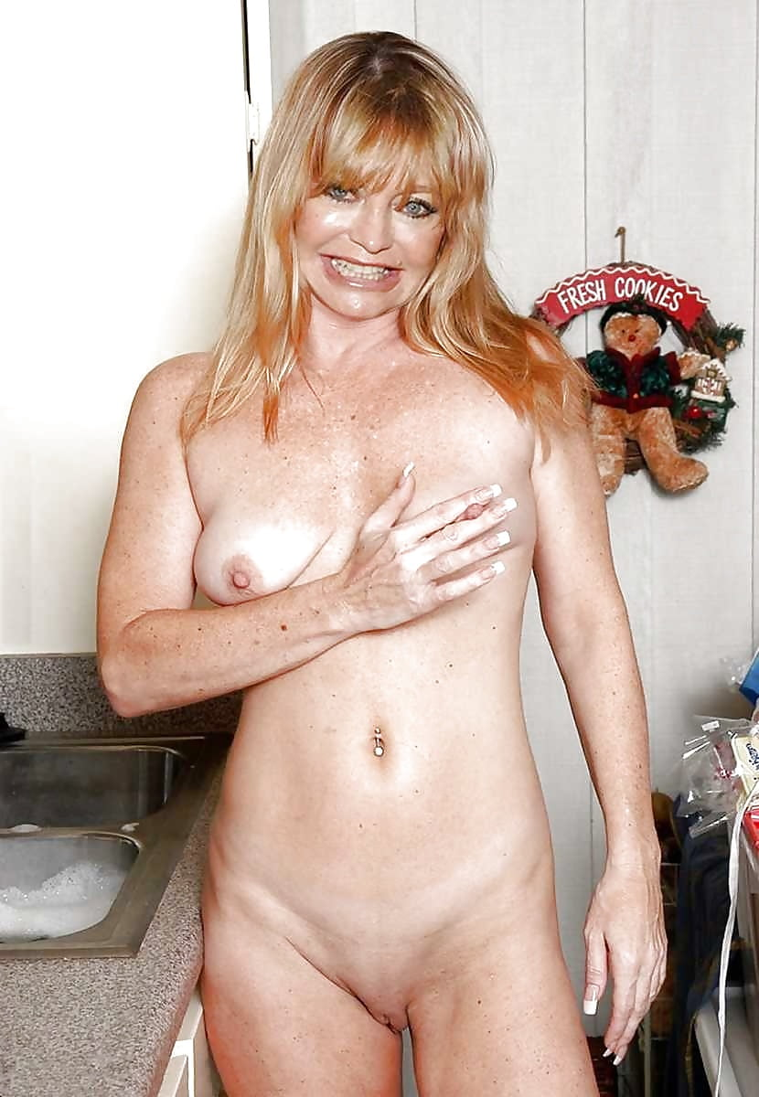 голди хоун голая гениталий порно