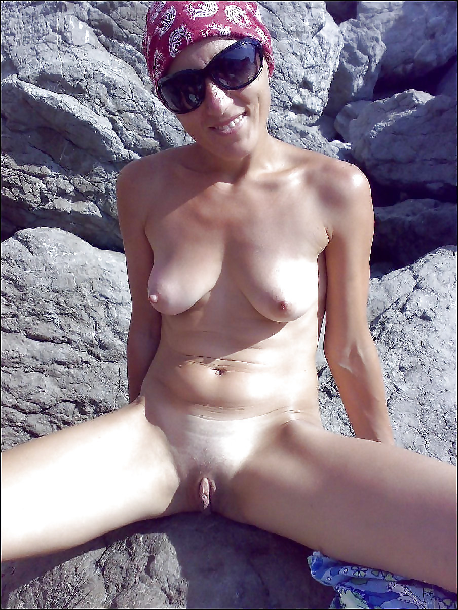 Mature Ladies With Small Boobs - 19 Pics - Xhamstercom-4207