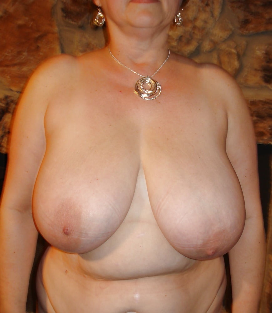 Moms With Big Juicy Tits - 51 Pics  Xhamster-5786