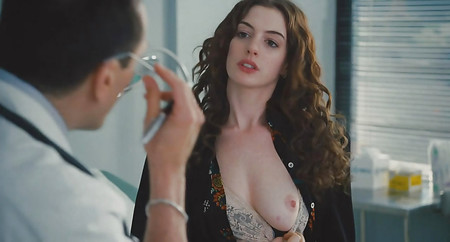 Hathaway topless anne Hathaway Pics