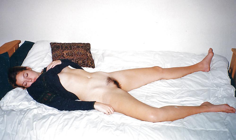 bottomless-sleeping-nudes-bikini-nn-model