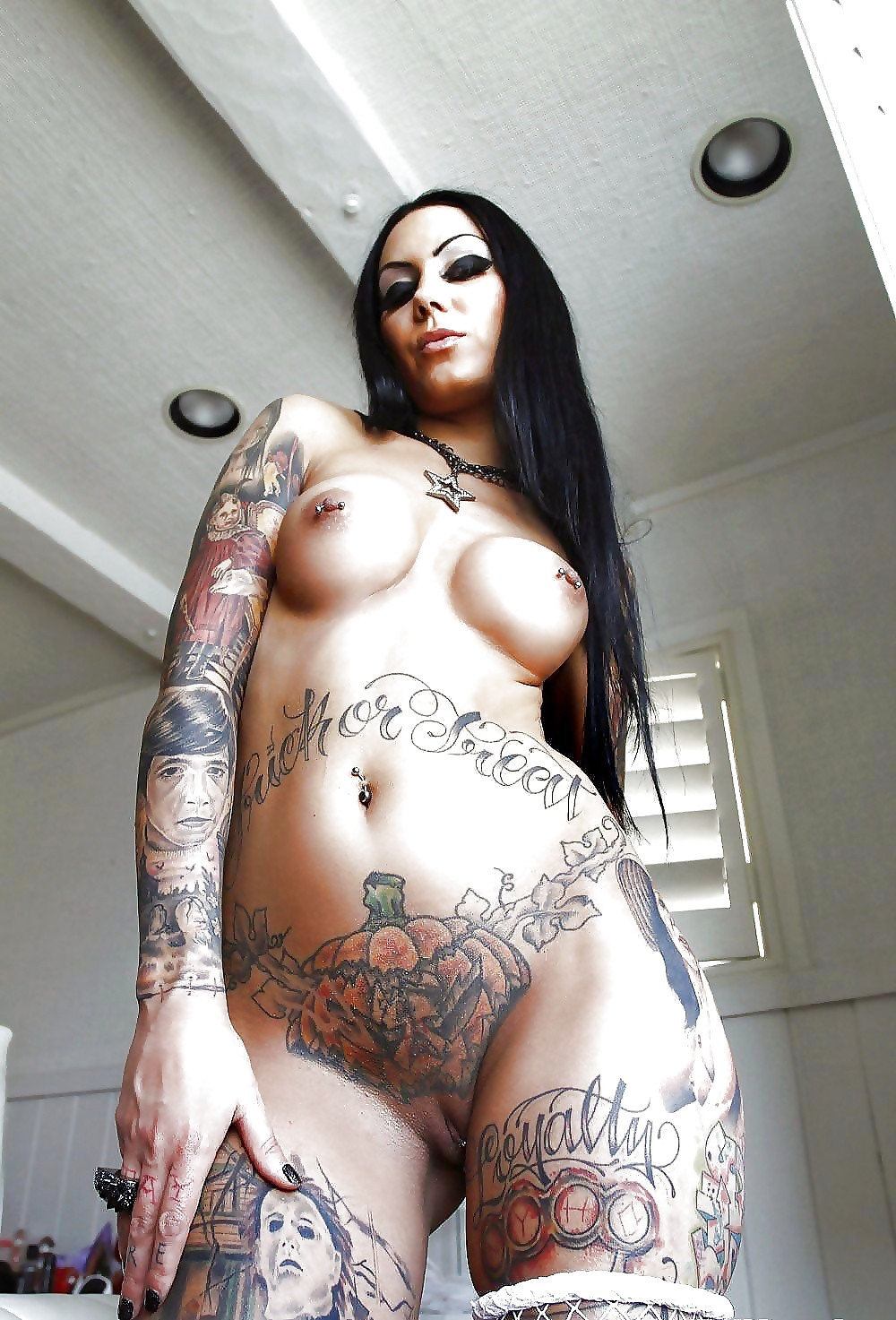 Hot girls with tattoos porn