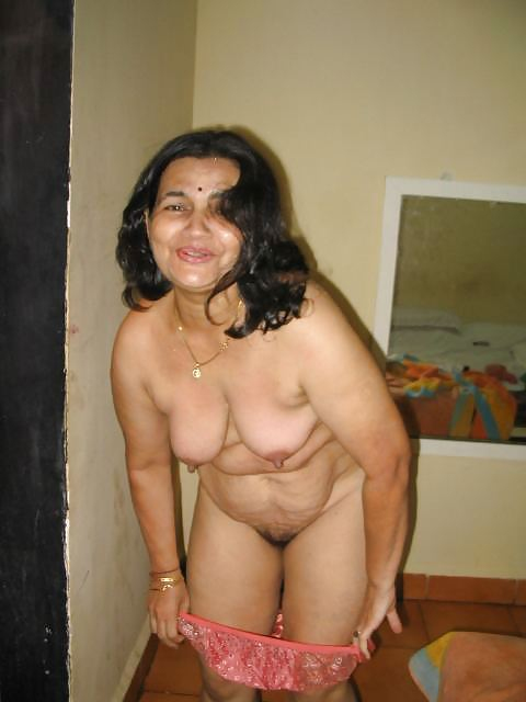 gujarati-wife-nude-picture-gallery-chubby-lovemaking