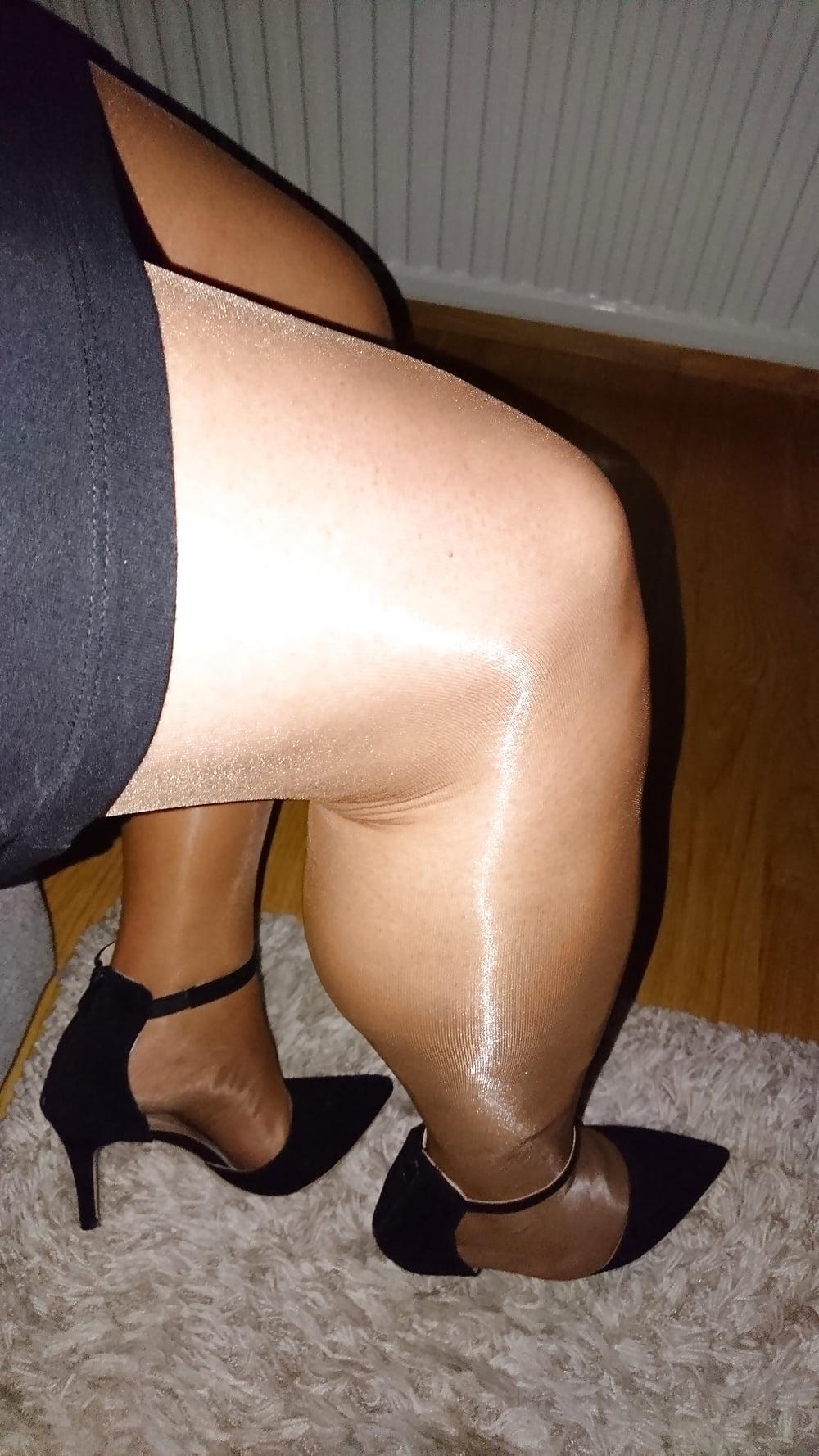Bare wifey ass pics