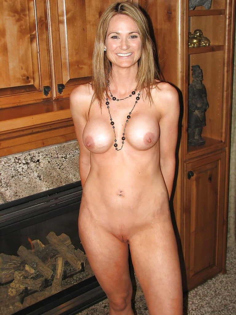Nude Hot Moms