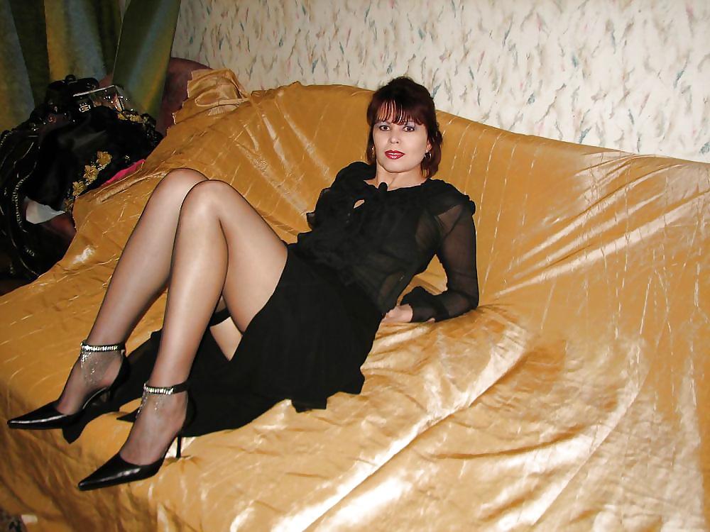 Опытная жена раздвигает ноги домашнее онлайн